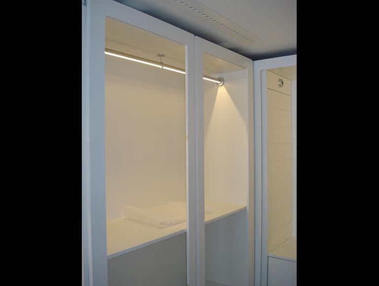 Detalle luz interior armario