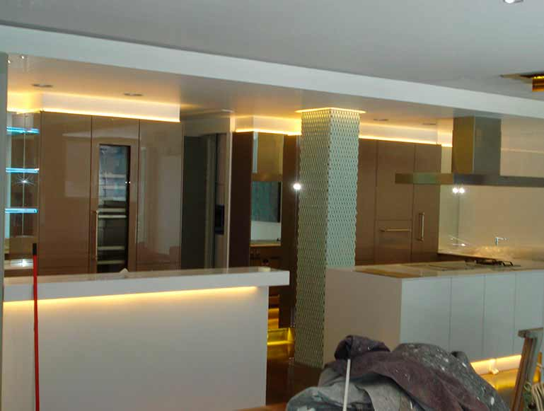 Fase instalación LED en Cocina